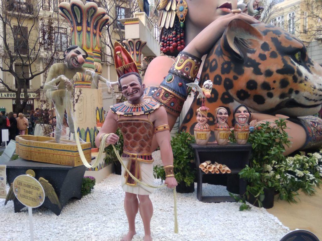 las-fallas-ironicas-monumento-fallero-simpático-egipto-valencia-las-fiestas-las-festividades